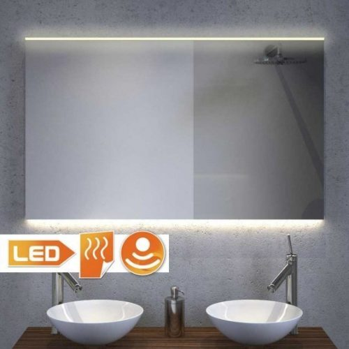 Badkamer spiegel met handige spiegelverwarming en praktische designer verlichting