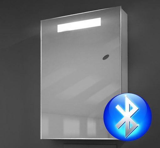 Badkamer spiegelkastje uitgevoerd met verlichting Bluetooth muziek en spiegelverwarming